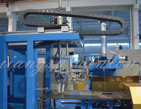 全自动成圈扎带热塑包膜及机器人码垛生产线